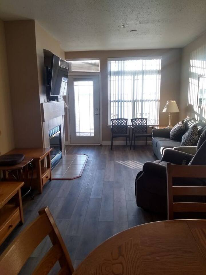 217- 1 Bedroom Lakeview Suite