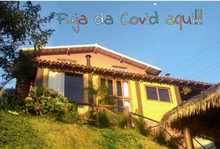 Casa estilo rústico com decoração Mineira em Terê.