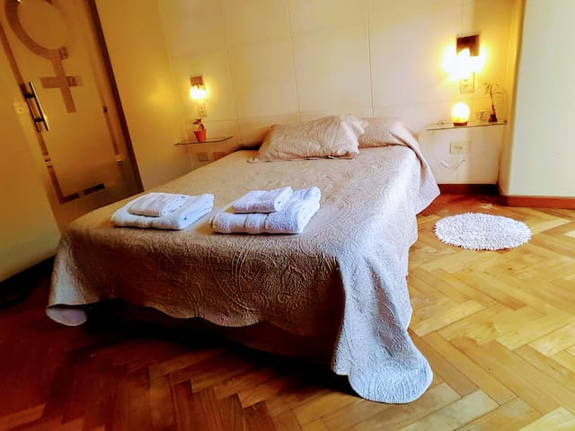 Reina Sofía Suite, habitaciones barrio residencial