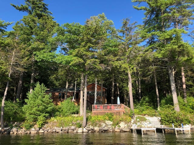 On Golden Pond - Gorgeous Lakefront vacation home