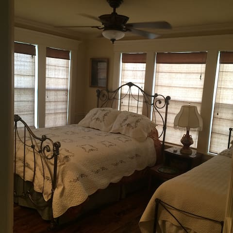 Rose room road trip ! Round Top ! - Round Top - Apartamento