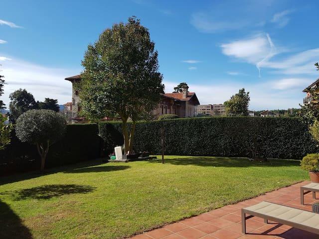 Precioso piso con jardín - Berango - Huis