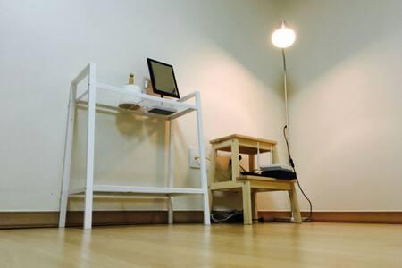 Perfect location♡ clean&cozy - 서울특별시 - Apartment