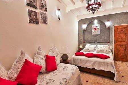Riad l'Ayel d'Essaouira : Chambre Argane - Esauira - Bed & Breakfast