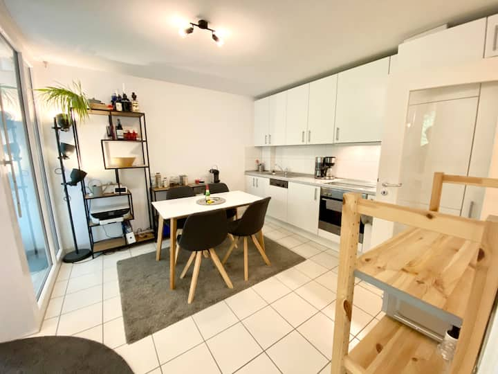 Stylish 2 Room Apartment Tübingen City Centre