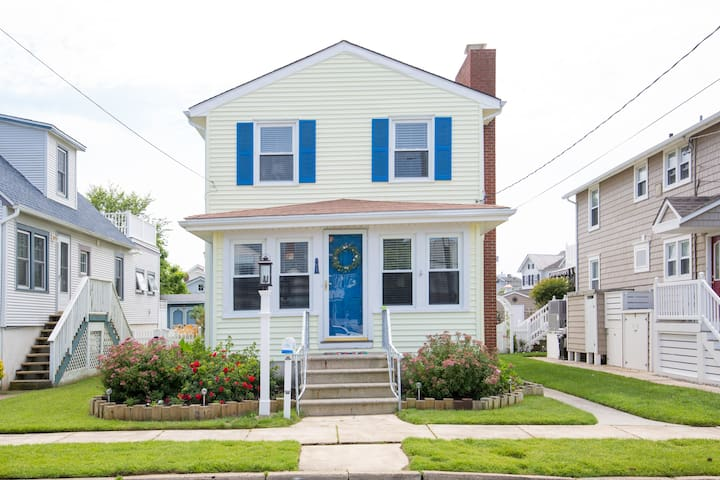 Spacious 4-bedroom home near downtown Stone Harbor