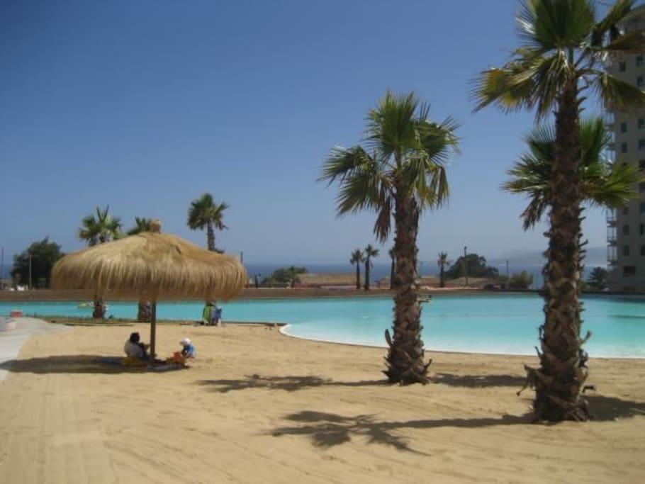 Playa y laguna