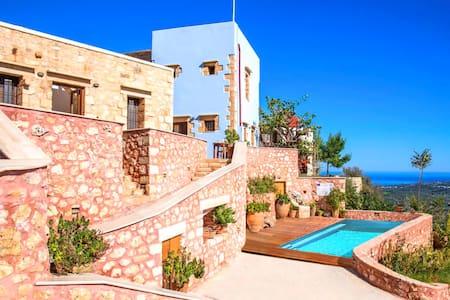 Villa Veneciana with Heated Pool