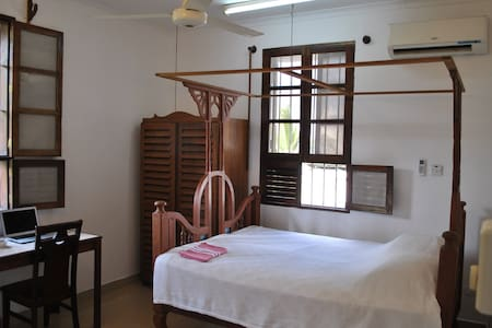 Private double room in the heart of Stone Town - Lejlighed