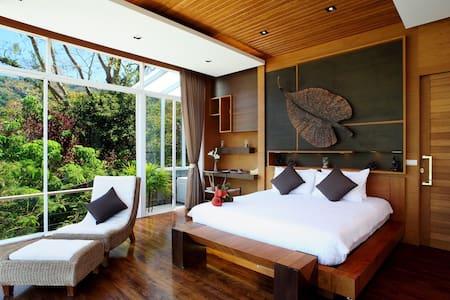 Luxury 3-Bedroom Penthouse