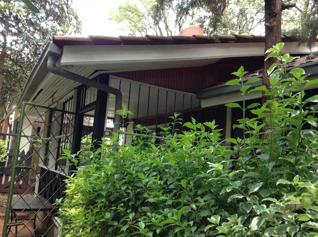 A private cottage in Karen - Nairobi - Pension