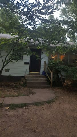 Get Now!Private room/large living/rec Carbondale