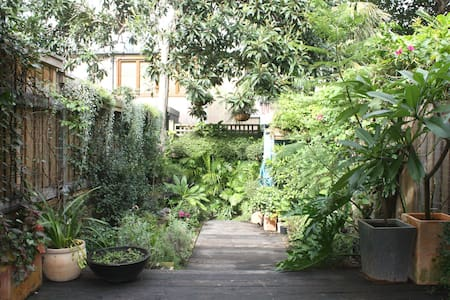 Entire Enmore cottage, close to CBD - Enmore - 独立屋