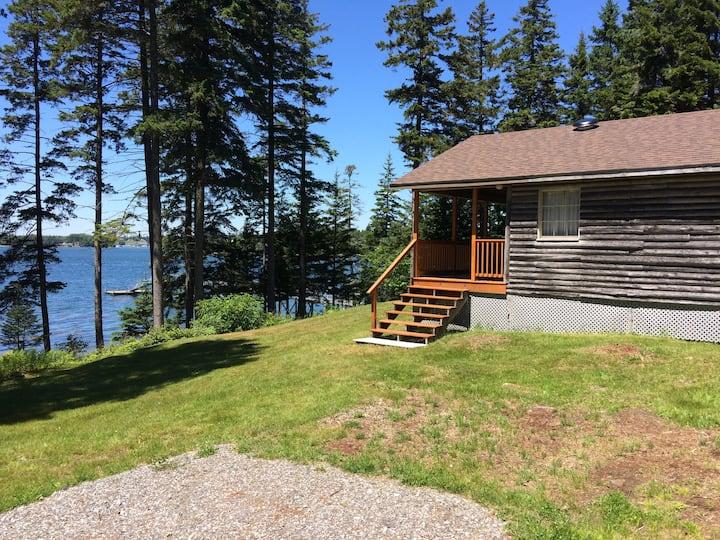 Waterfront cottage, Mid-coast Maine