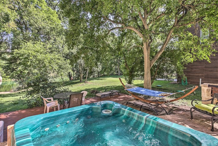 NEW! Riverfront New Braunfels Home with Hot Tub!