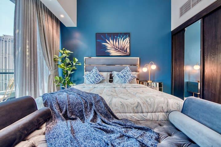 Luxurious Studio | Short Walk to Beach & Mall