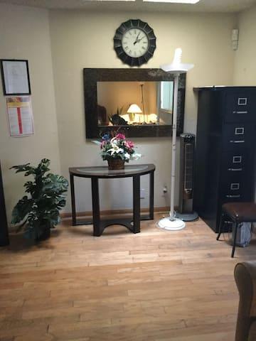 A home made for visitors - Carson - Casa