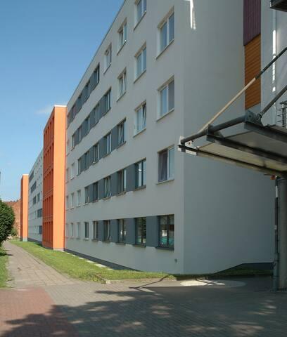 Single room apartment available near Uni