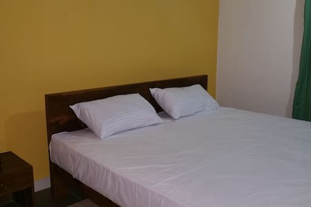 MHF - Deluxe room for Foreigners - Wattala - Bed & Breakfast