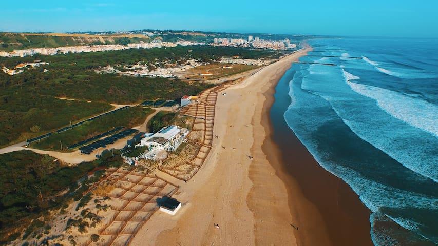 PRAIA - T4 em  1ºandar de Vivenda ST.ANT CAPARICA - Costa da Caparica - Byt