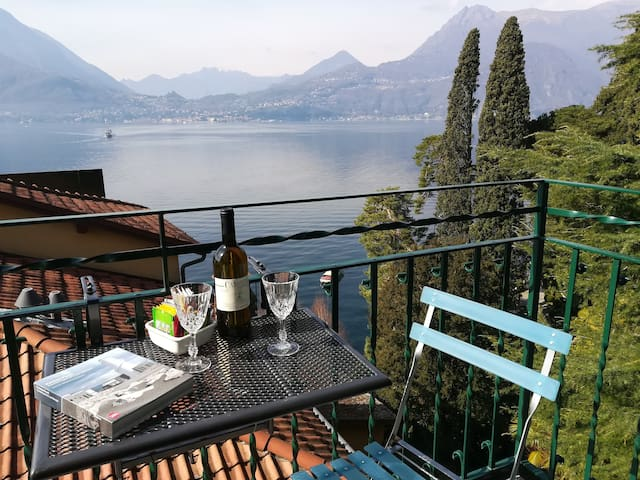 In the heart of Varenna with lake view