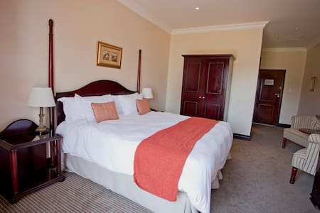 बेडरूम की तस्वीर