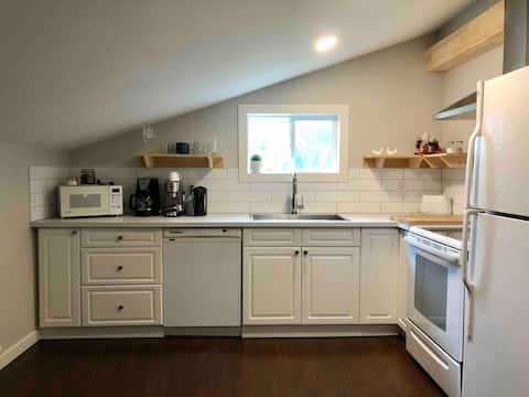 Suite Blue River Accommodation - Cariboo Suite