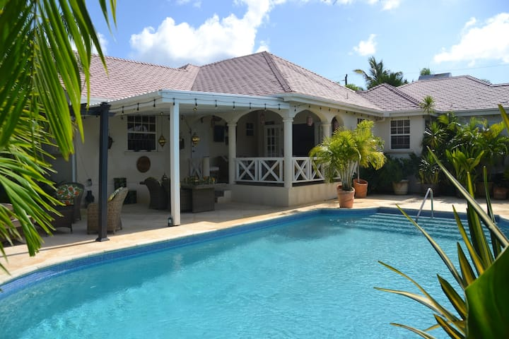 Beautiful two bedroomed house with a private pool