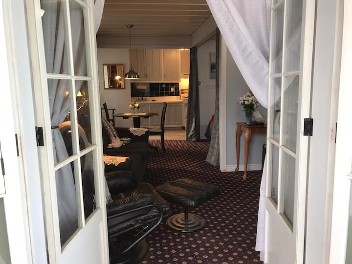 Vieux-Québec vue2 balcons meublé 995$ mois