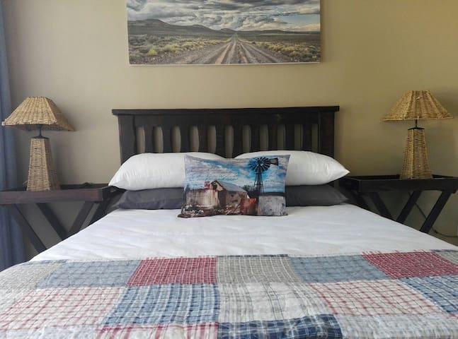 Sunridge Self-catering acc: The Blue Room