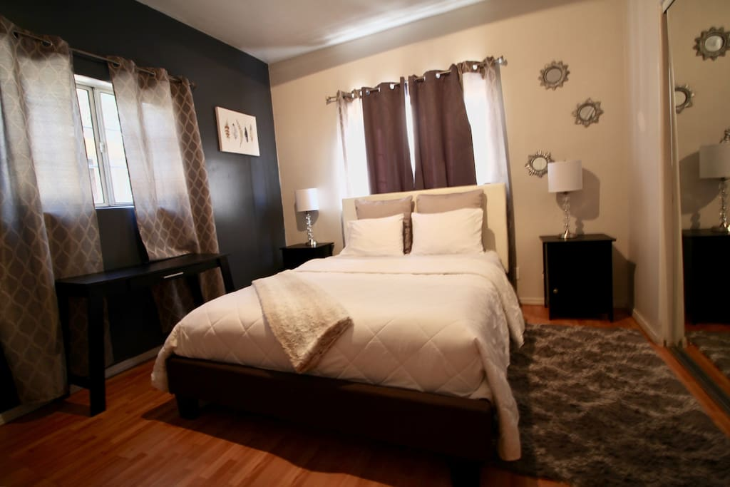 Very cozy and comfortable feel, place newly repainted.  New furnitures and black out curtains !