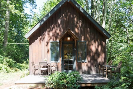 Forest Cabin + Private Beach - Camano Island - Zomerhuis/Cottage