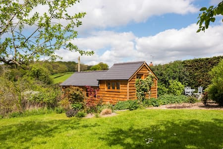 The Garden Studio at Hazel Cottage - Ludlow - Bed & Breakfast - 0