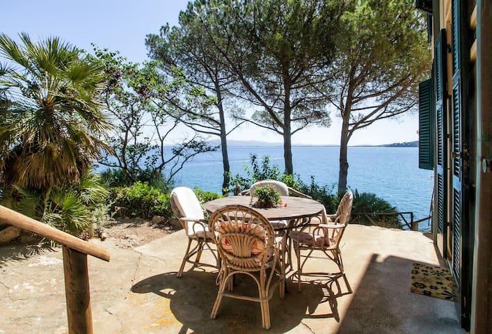 Romantic apartment by the sea Villa Rosetta, apt 3