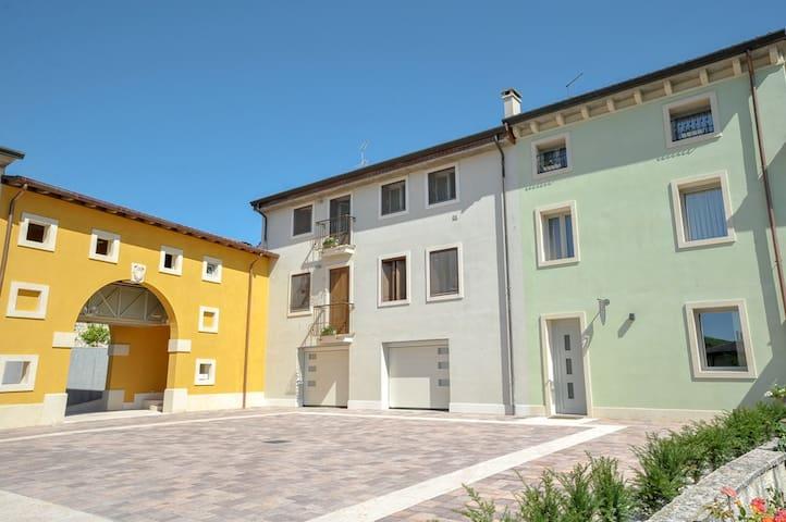 Romantic House between Garda Lake and Venice