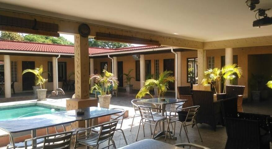 Palmeiras Guest House Matola