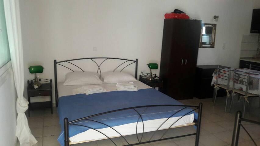Το διπλό κρεβάτι