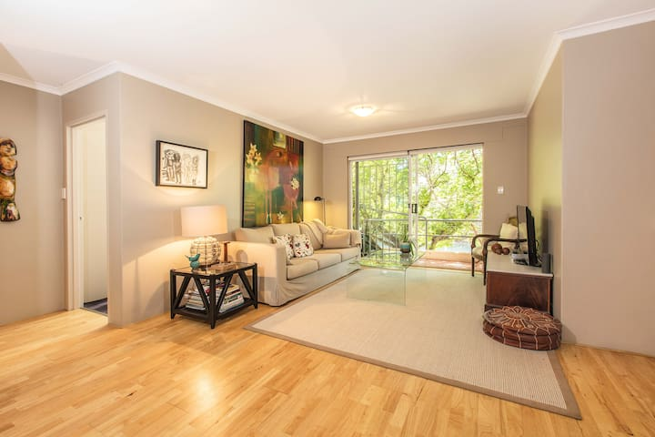 Relaxing garden Apartment in Perfect location - Kensington - Apartment