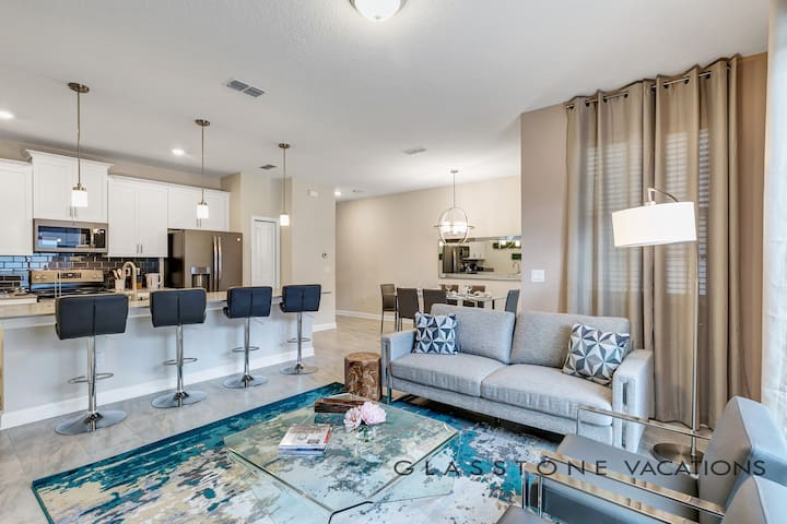 4BD/3BA Modern upgraded Townhome -private pool #68