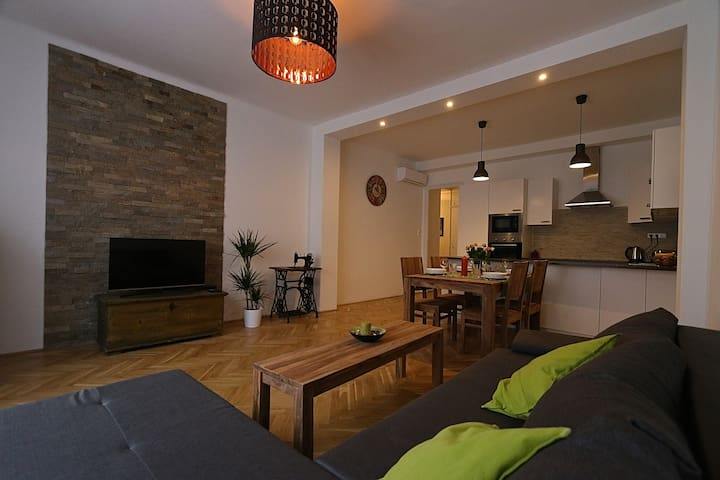 Newly renovated cosy flat right by the Castle - Budapest
