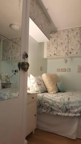 BRIGHT AND BIJOU BEDROOM