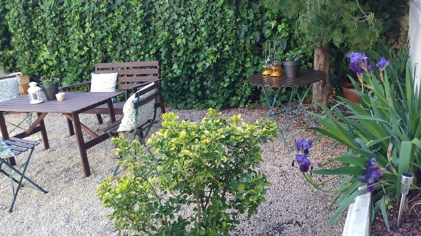 Casa&jardín cerca Delta Ebro - La Galera - Hus