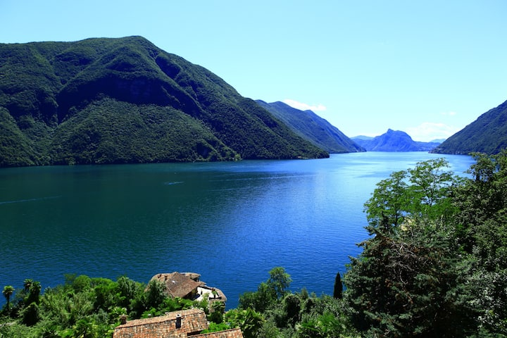 180 Grad Aussicht auf den Luganer See und Berge