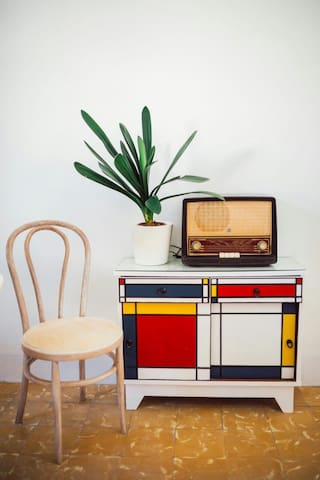 FUNKY RETRO SINGLE ROOM :)