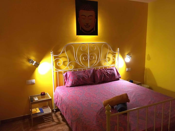 SPACIOUS ROOM WITH GREAT VIBES IN MALAGA CENTER