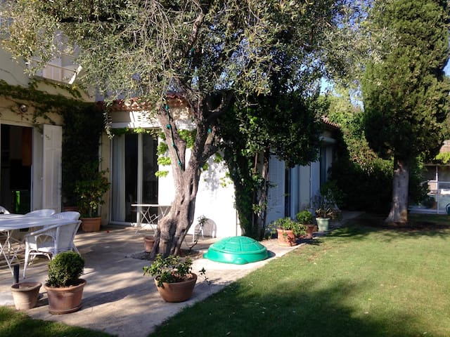 Villa 200m2 avec piscine et dépendance - Marseille - Villa