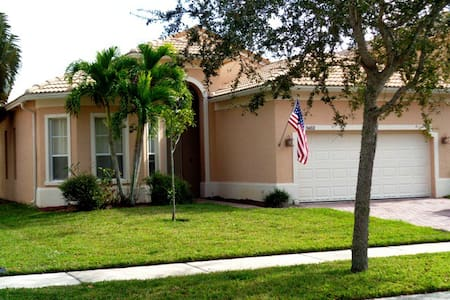 1 bedroom for rent in secure (gated) community - Fort Pierce - Ház