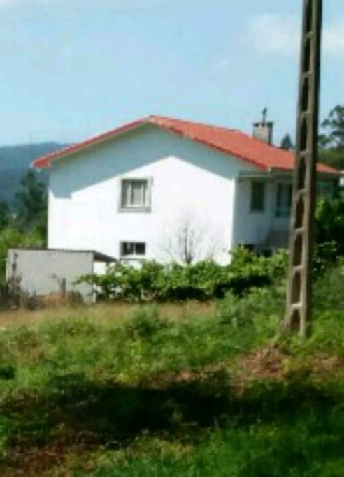 This is the first view of the house, when coming from the main road
