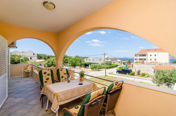 Guesthouse Somnium-2 Bedroom w/ Terrace & Sea View