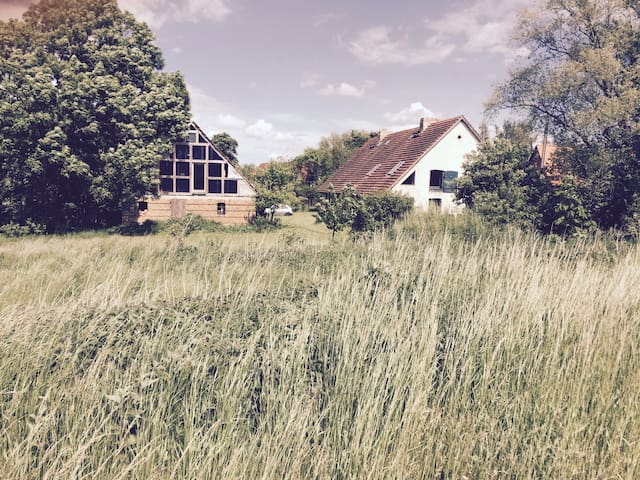Lehmhaus in idyllischer Lage - Langen Jarchow - Casa adossada